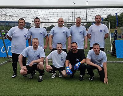 Mannschaft der Vollmergruppe Dienstleistung beim Sponsorenturnier auf Schalke